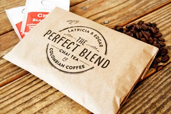 Hochzeit - Wedding Favor Coffee Bag - The Perfect Blend Circle Stamp Design - Wedding, Anniversary, Engagement Party Favors - 25 Grease Resistant Bags